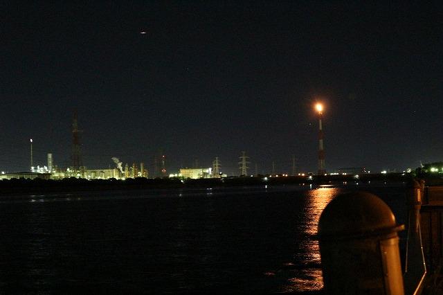 養老川臨海公園の夜景(工場夜景[触媒燃焼中])