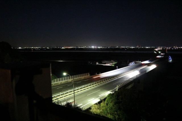 佐原PA上り展望台(夜景・左側)