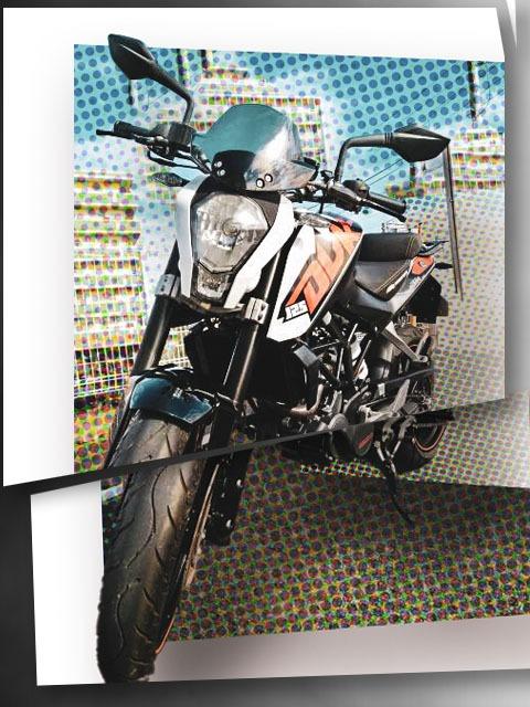 KTM 125DUKE デフォルメ写真