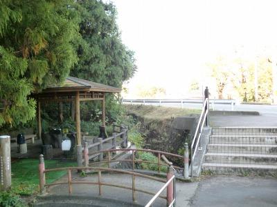 湯の沢霊泉(湧き水)の外観