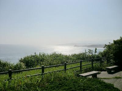 八幡岬公園からの眺め。台風12号が日本列島へ接近中でやや荒れ気味の太平洋
