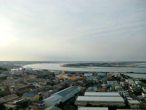 銚子ポートタワーより利根川河口を望む