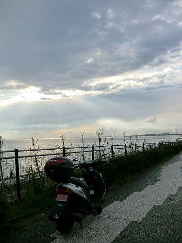 アドレスV125G(K7)幕張より東京湾を望む